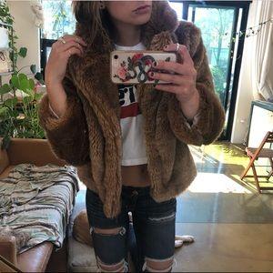 H&M Jackets & Coats - Faux Fur cropped jacket ✨